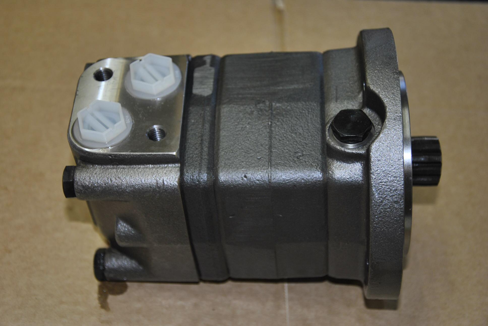 Гидромотор привода игольной рамы, 1 шт.