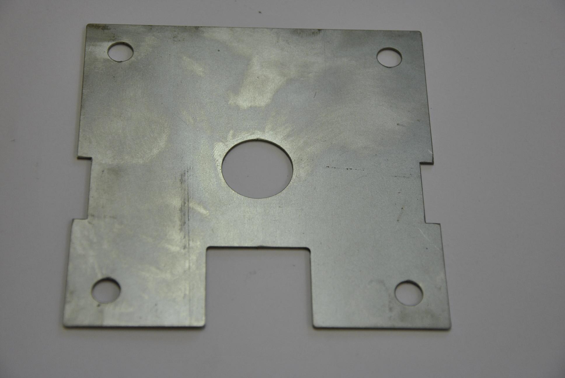 Дистанционная прокладка под пластины скручивающего устройства